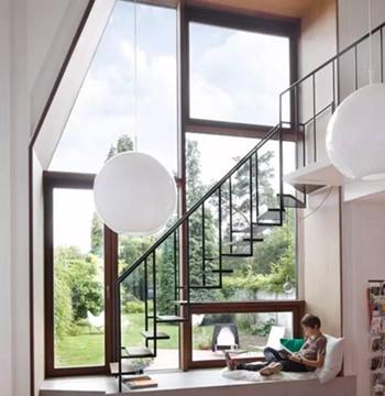 楼梯设计不仅安全更要美观